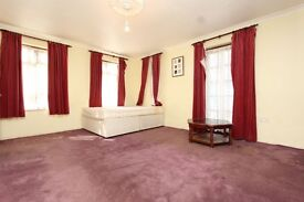 MAGNIFICENT SUPER HUGE double room in MODERN FLAT
