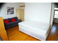 SUPER!!!!! double room in CENTRAL LONDON!!! OK COUPLES!!!!