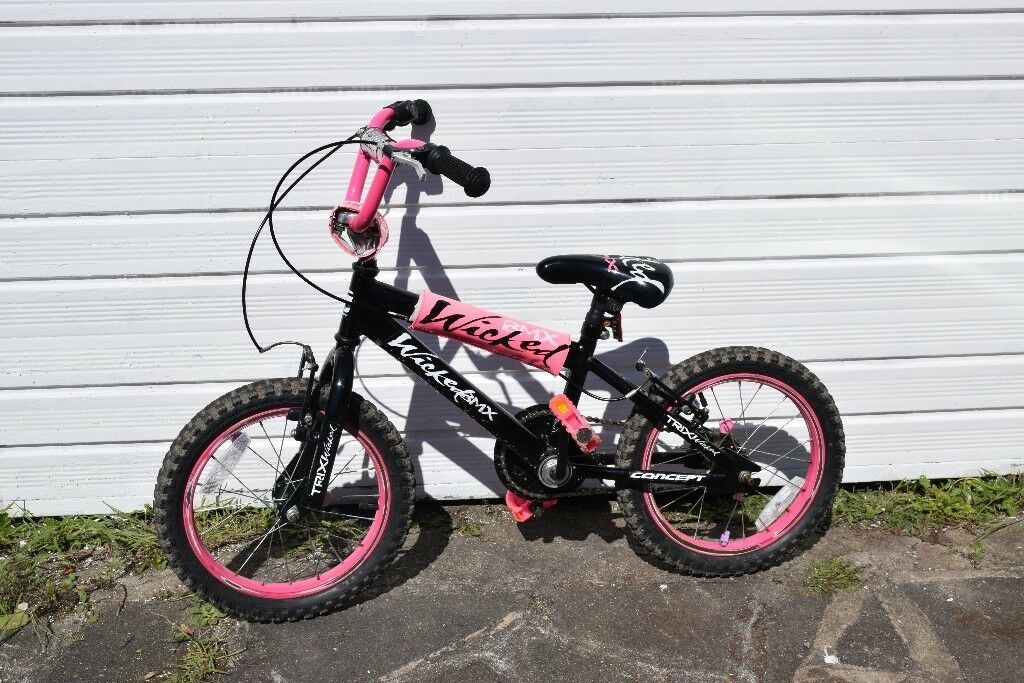 Black and pink BMX 18 inch wheel bike. 5 to 8 years bike girls ...