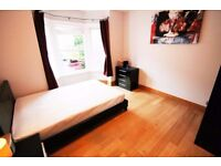 A LARGE DOUBLE ROOM CENTRAL READING, FRIENDLY HOUSEMATES, ALL BILLS INC, FURNISHED