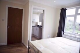 BILLS INCLUDED + AVAILABLE NOW ..Ensuite Suite In WOODFORD, E18 1HR for just £995pcm!