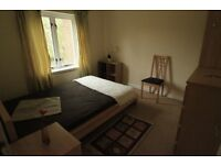 DOUBLE ROOM IN A NICE FLAT, HALF MONTH DEPOSIT, BILLS INCL
