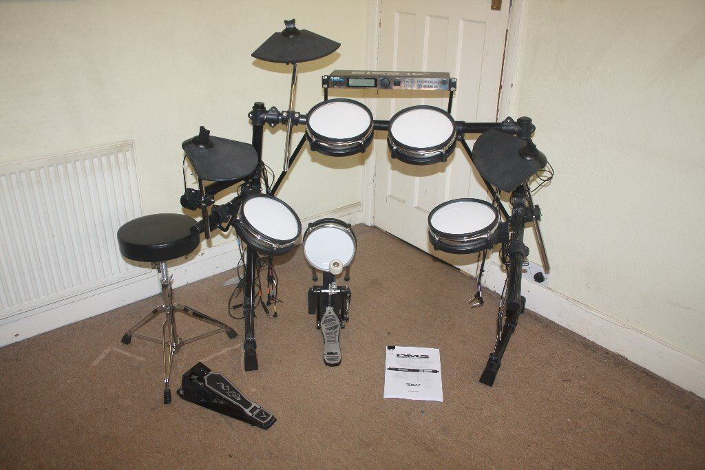 alesis dm5 pro electronic drum kit complete with stool and headphones and drum sticks in. Black Bedroom Furniture Sets. Home Design Ideas