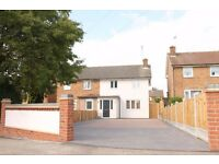 FULLY REFURBISHED SEMI DETACHED HOUSE LOCATED IN A QUIET TURNING IN WOODFORD BRIDGE