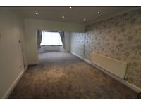 Excellent Condition 4 bedrooms House with 2 Toilets & bathroom, Garden and Driveway in Ilford