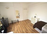 PERFECT TWIN ROOM PERFECT TO RENT WITH A FRIEND IN MANOR HOUSE/13M