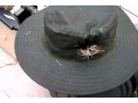 Wax cotton hat wide brimmed