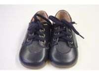 **NEW IN A BOX**Clarks Unisex Navy Blue 'Benny' Shoes Size 3.5 £15 ( East Putney SW15)