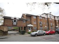 NEWLY REFURBISHED SPACIOUS ONE BEDROOM APARTMENT AVAILABLE FOR RENT