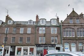**PRICE REDUCED** Bright spacious top floor flat, 2 Bedroom Montrose Angus