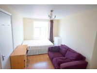 Spacious DoubleRoom In Hackney 5mins From Station All Bills Included AvailableIn A Two Bedroom Flat