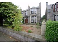 PETS CONSIDERED - FURNISHED TWO BEDROOM WEST END EXECUTIVE FLAT WITH PARKING AND GARDEN
