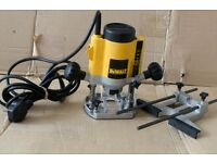 DeWalt router like new condition very little use