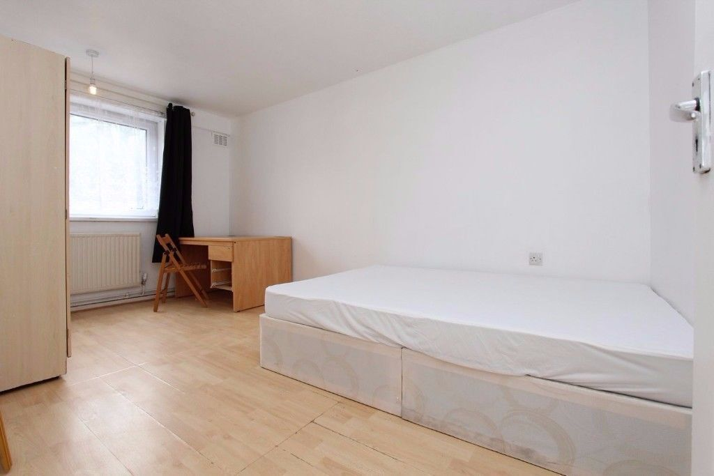 SUPERB DOUBLE ROOM NEAR CENTRAL LINE