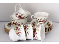 Vintage Queen Anne 18 Pc Tea/Coffe Rose Design Set Shabby Chic Beautiful