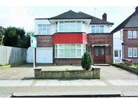 4 bedroom house in Highfield Gardens, Golders Green, NW11
