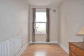 um espaçoso apartamento de dois quartos no segundo andar em Wandsworth