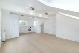 Newly Refurbished Bright Studio Flat to Rent in South Croydon.