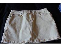 ladies yellow cherokee skirt size s