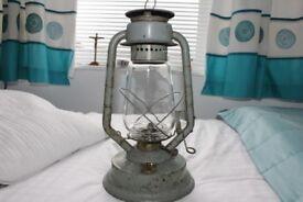 Vintage Sandstar oil lantern