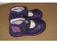 Brand New Beautiful Clarks SOFTLY ROSE Girls Purple Leather Shoes 4 .5 F RRP£32