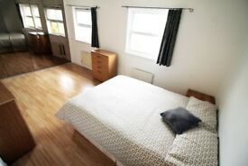 NICE DOUBLE ROOM TO RENT **ENSUITE** - CANADA WATER - ZONE 2 - JUBILEE - CALL ME NOW