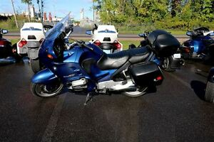 1997 bmw R1100RT $15.35/week (120 months@7.99%) + tx