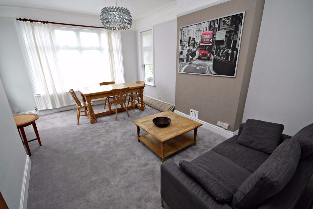 TWO DOUBLE BEDROOM FURNISHED APARTMENT - 3 MINS WALK TO CRICKLEWOOD STATION