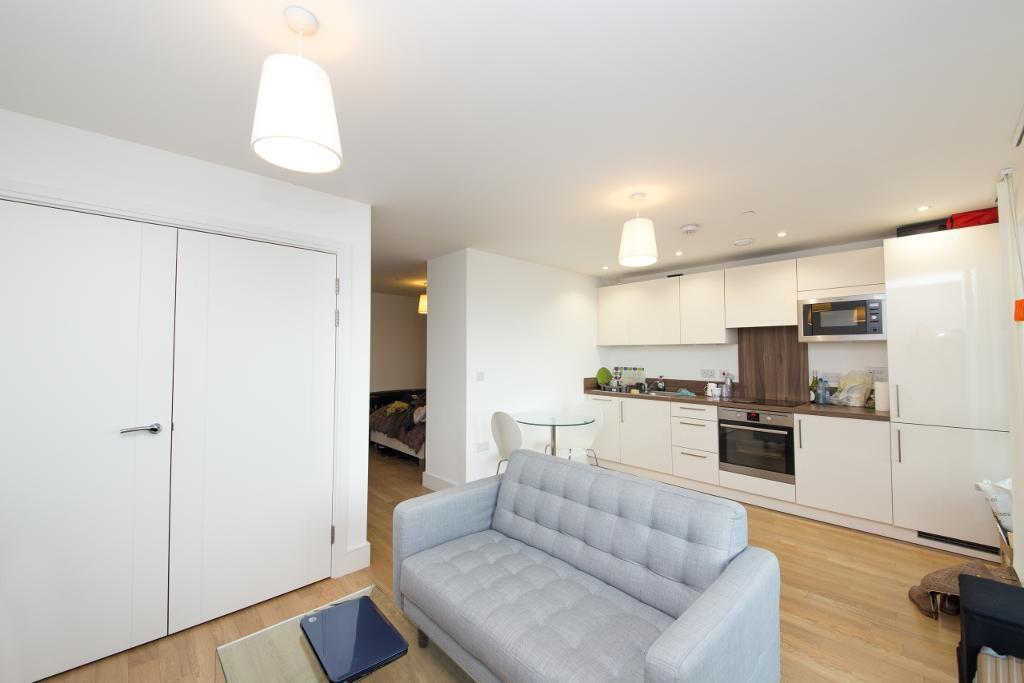 Studio flat in No 1 The Avenue, Ivy Point, Bow E3