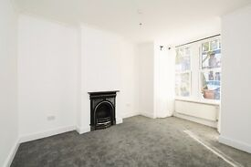 A Modern Spacious 2 Bedroom House Available E17 !