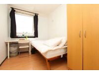 Double room in Canada Water available to rent in friendly flatshare