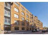 3 bed flat to rent in Barck Church Lane, Liverpool Street E1