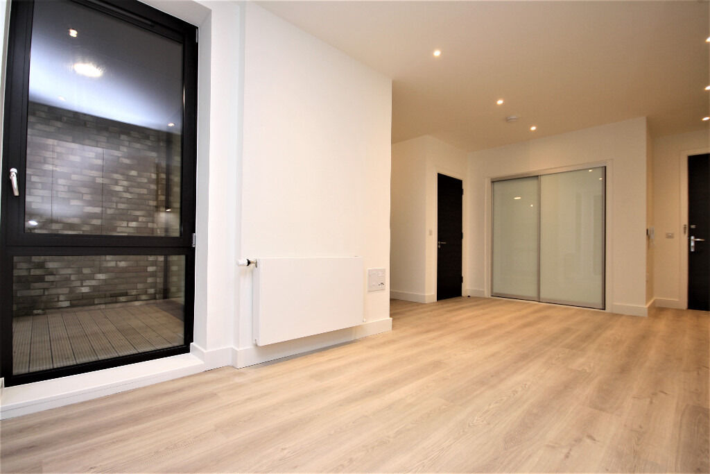 Brand new stunning studio apartment in Poplar