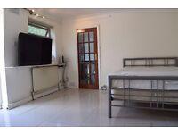Spacious Studio Apartment in Uxbridge £800 Inclusive of Bills.