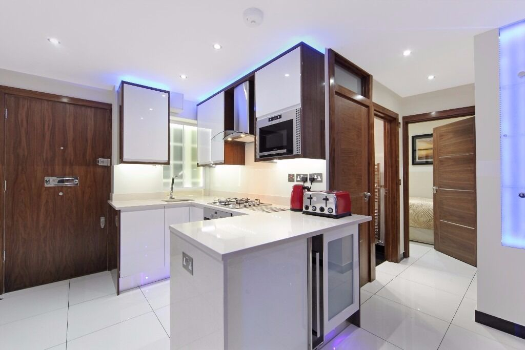 !!!STUNNING 2 BED 1 BATH LUXURY FLAT IN HEART OF MARBLE ARCH WITH PORTER AND LIFT!!!