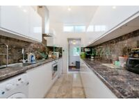 SW17 7PS - FIRCROFT ROAD - A STUNNING 4 BED 2 BATH HOUSE WITH PRIVATE GARDEN - VIEW NOW