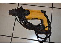 DEWALT D25103 professional SDS hammer drill 230 volt 680 watt