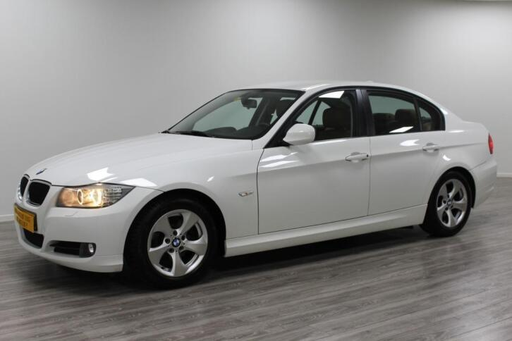 BMW 3 Serie 320D - Efficient Bussiness Edit. - Full Options