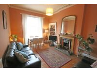 Bright spacious furnished top (2nd) floor flat in St Stephens St, Stockbridge