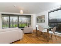 2 bedroom flat in Waterside Park, Kingfisher Heights, Royal Docks E16