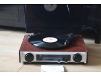 RECORD PLAYER/RADIO/MANUEL/POWER CABLE INCLUDED CANBE SEEN WORKING