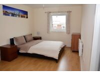 2 BEDROOM FLAT WITH WI FI,CLOSE TO STRATFORD,SLEEPS 6