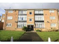 LARGE 2 DOUBLE BEDROOM FLAT CLOSE TO HEATHROW stanwell hospital Staines Feltham ashford bedfont moor