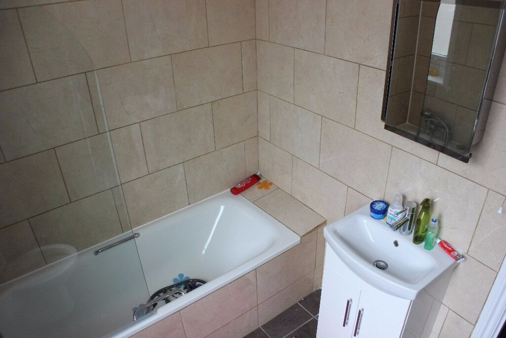 *** 1 Bedroom flat available now on Green Lanes N8***