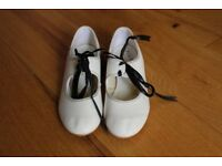 Girls Tap Shoes - child size 13