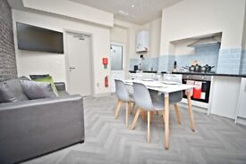 ***LUXURY HOUSESHARE, READY NOW. EN-SUITES AVAILABLE!!***