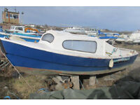 17ft Fibre Glass Boat with 5hp Mariner Outboard Engine