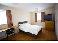 *** EN-SUITE double room *** ALL FEMALE Modern house share. Bills inc. No fees at all.