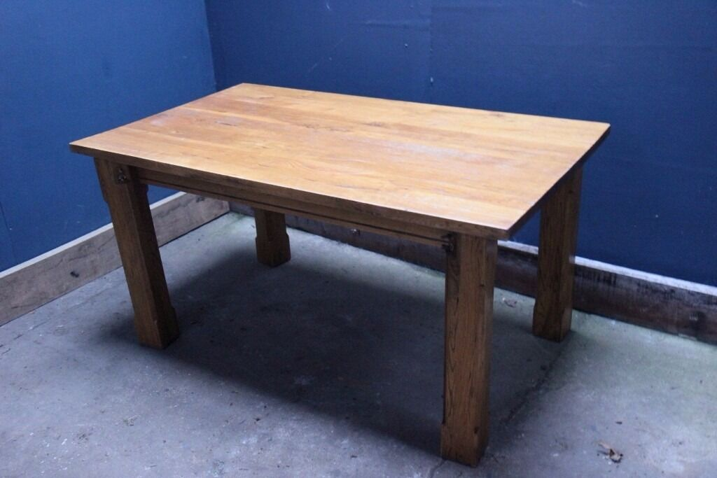 Solid Oak dining Table - good condition