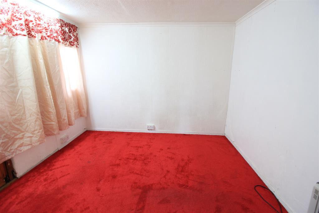 1 Bedroom ground floor flat for rent in